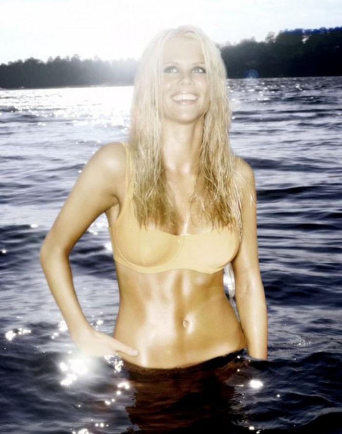 Elin Nordegren l'ex-épouse de Tiger Woods met en valeur son bikini