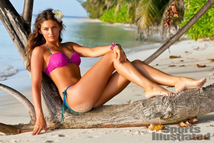 La magnifique Alyssa Miller est à croquer en bikini