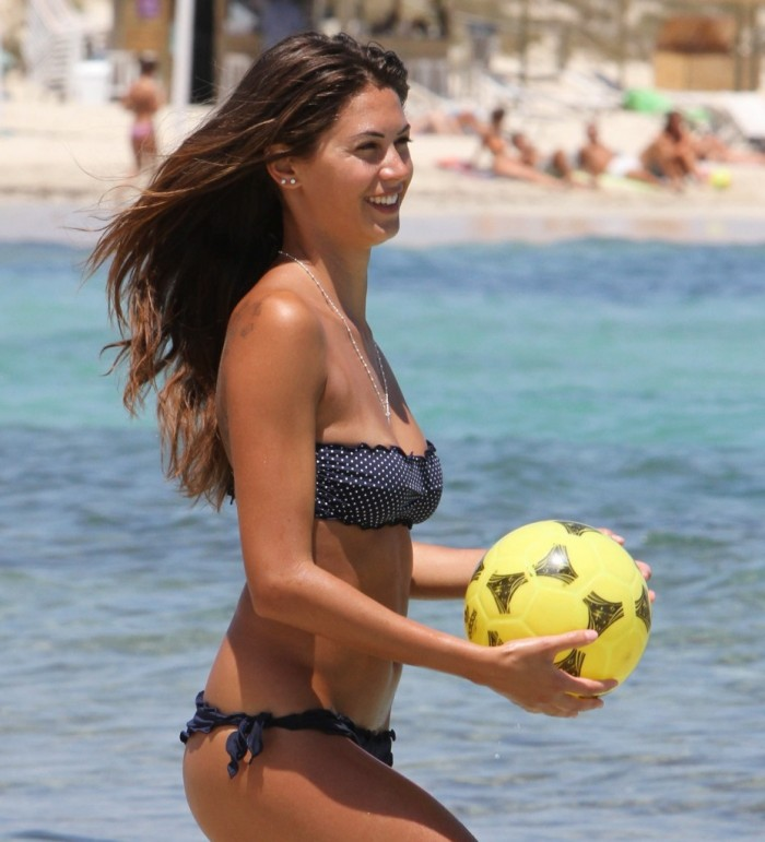 Melissa Satta est juste une femme magnifique en bikini