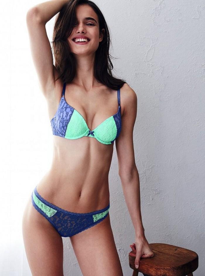 Blanca Padilla est torride en lingerie