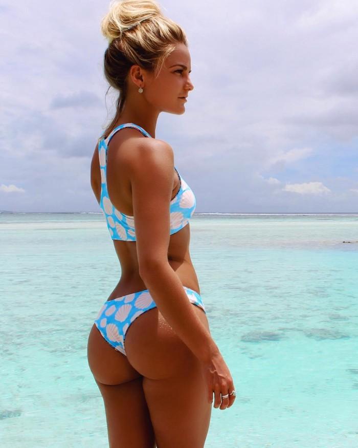 Karina Irby est un modèle fitness magnifique en bikini