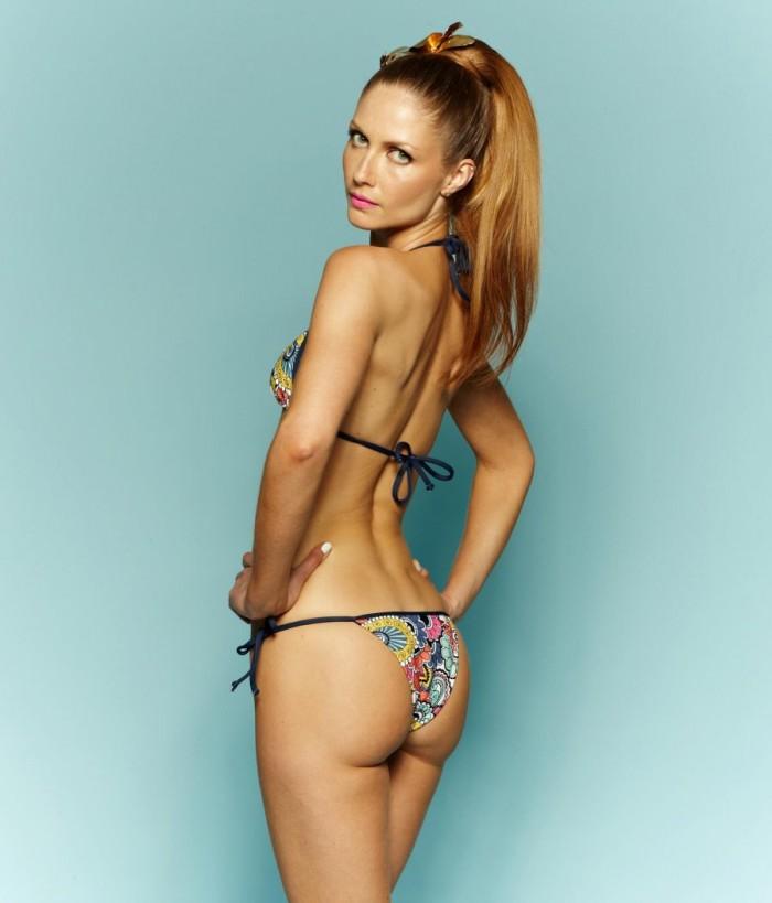 Ana Claudia Michels est très sexy en bikini
