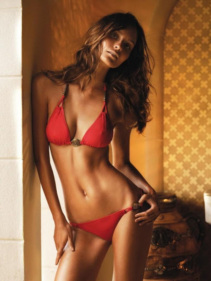 Pania Rose est merveilleuse en lingerie sexy.