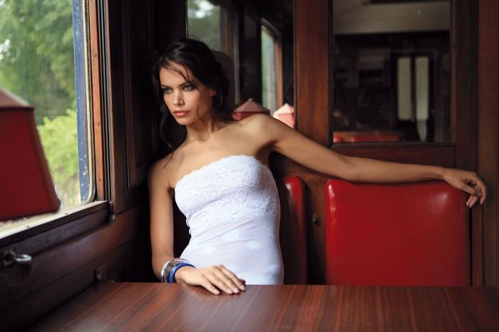 Katya Shchekina envoie du lourd en lingerie