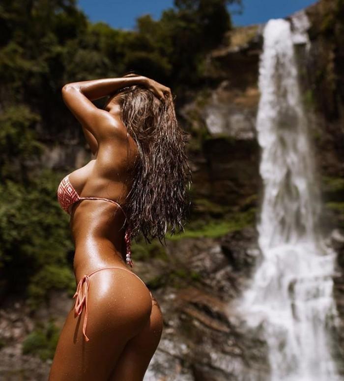 Viki Odintcova dans une série de 46 photos sexy par Mavrin!