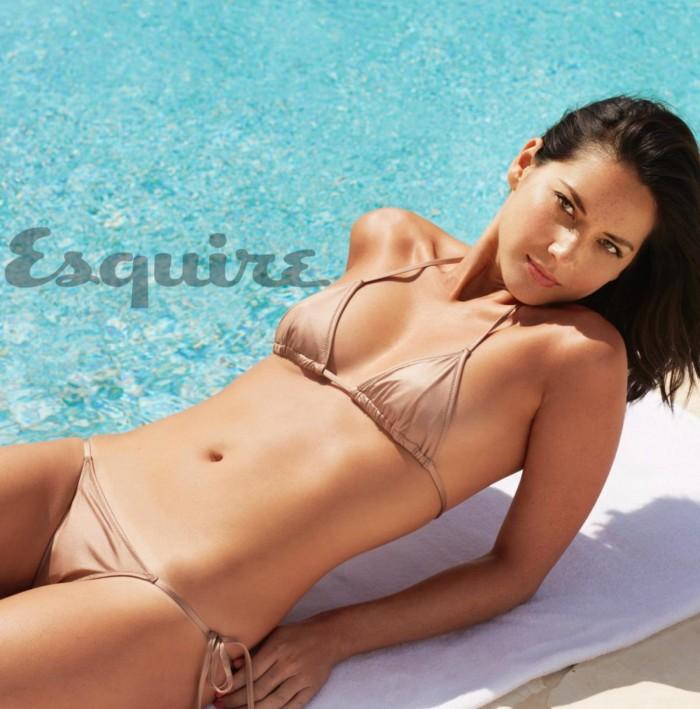 Olivia Munn est une superbe brune en lingerie sexy
