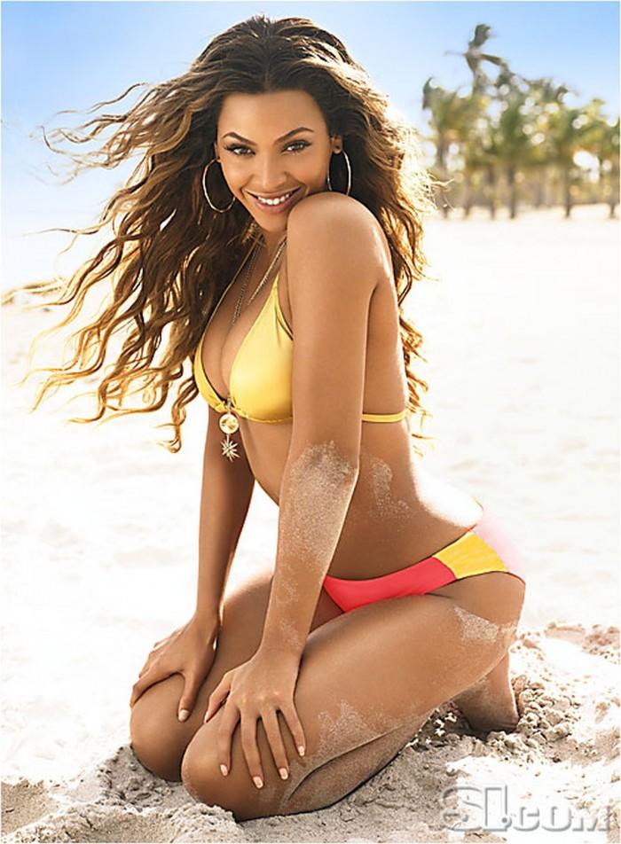 Beyoncé a des formes sexy en maillot de bain