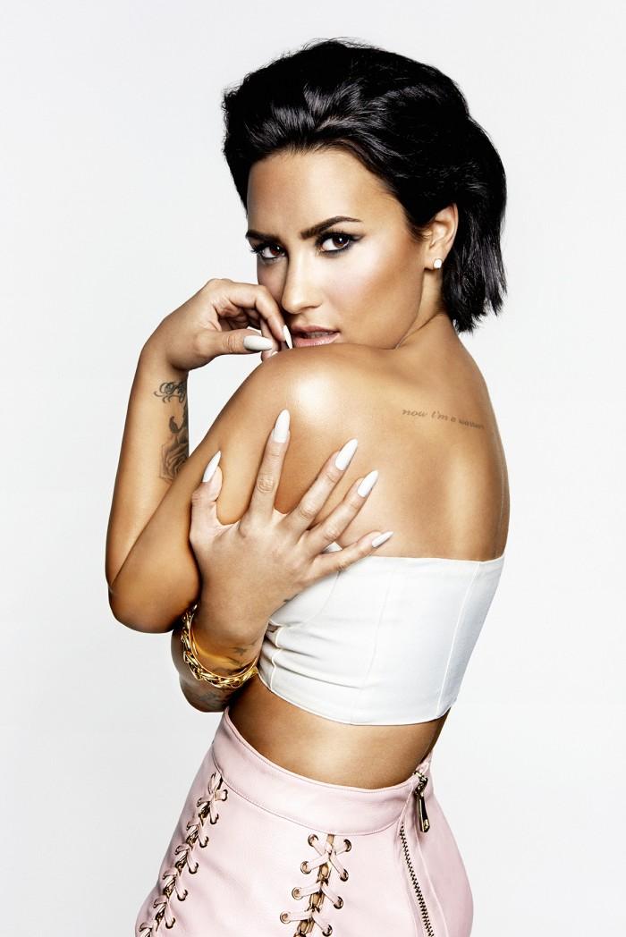 La belle Demi Lovato nous fait craquer en lingerie