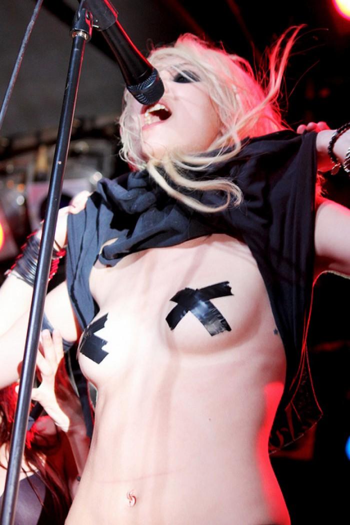 Taylor Momsen est canon en lingerie