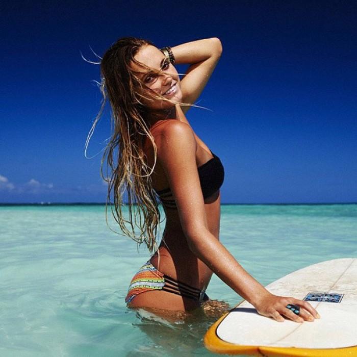 Alana Blanchard la surfeuse vraiment sublime en bikini
