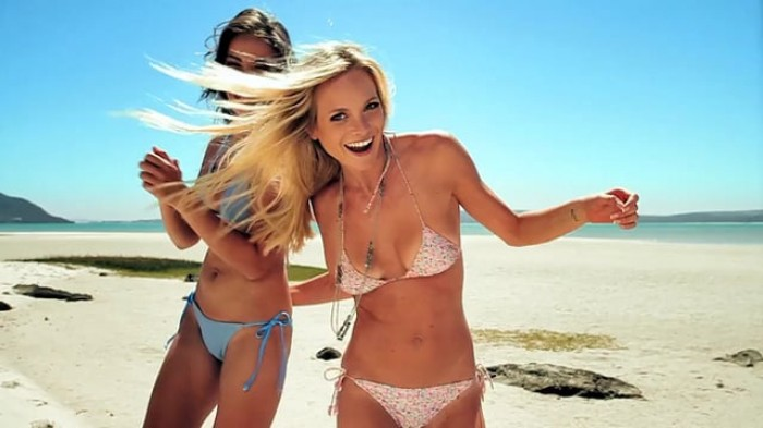 Nicole Meyer et Tarryn Taylor dans une vidéo sexy