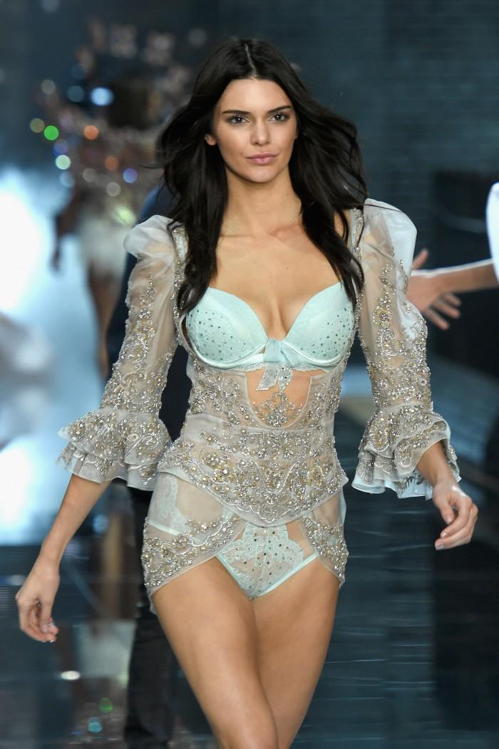 Kendall Jenner la sexy demi-soeur Kardashian