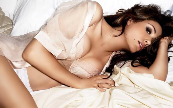 Emmy Rossum alias Fiona Gallagher dans la série Shameless est très hot
