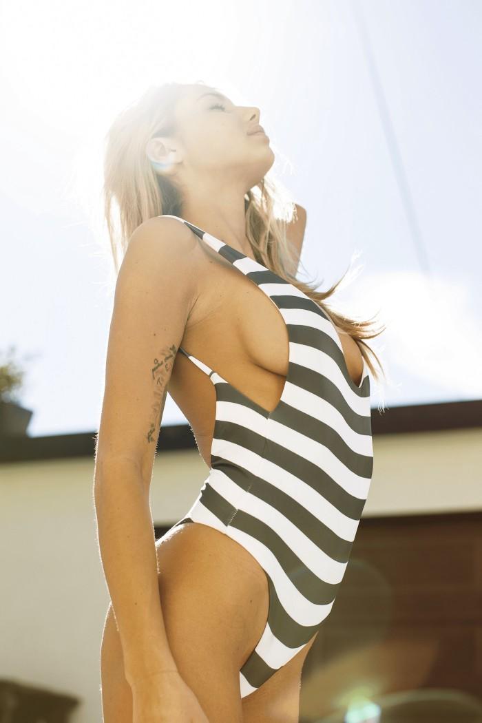Sahara Ray est juste splendide en bikini