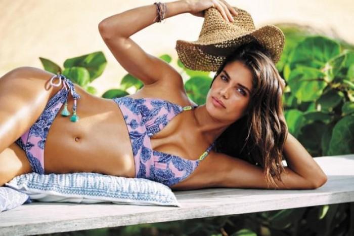 Sara Sampaio, un bikini n'a jamais été aussi bien porté
