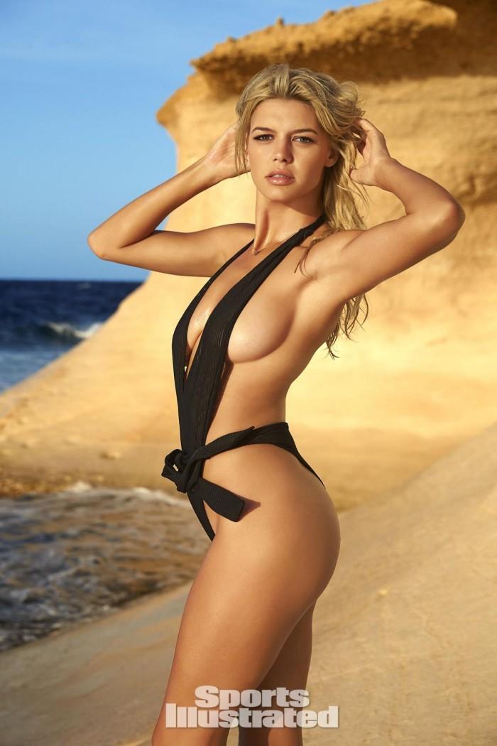 Kelly Rohrbach, la superbe blonde du remake d'Alerte à Malibu