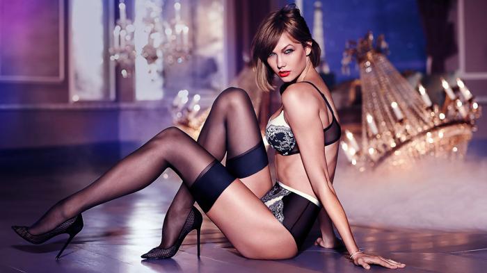 Karlie Kloss en lingerie est très hot
