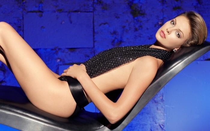 Charlize Theron toujours aussi sublime, bientôt visible dans Fast & Furious 8
