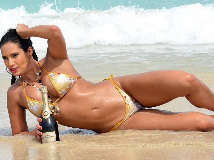 Jennifer Nicole Lee la reine du Fitness à l'Américaine