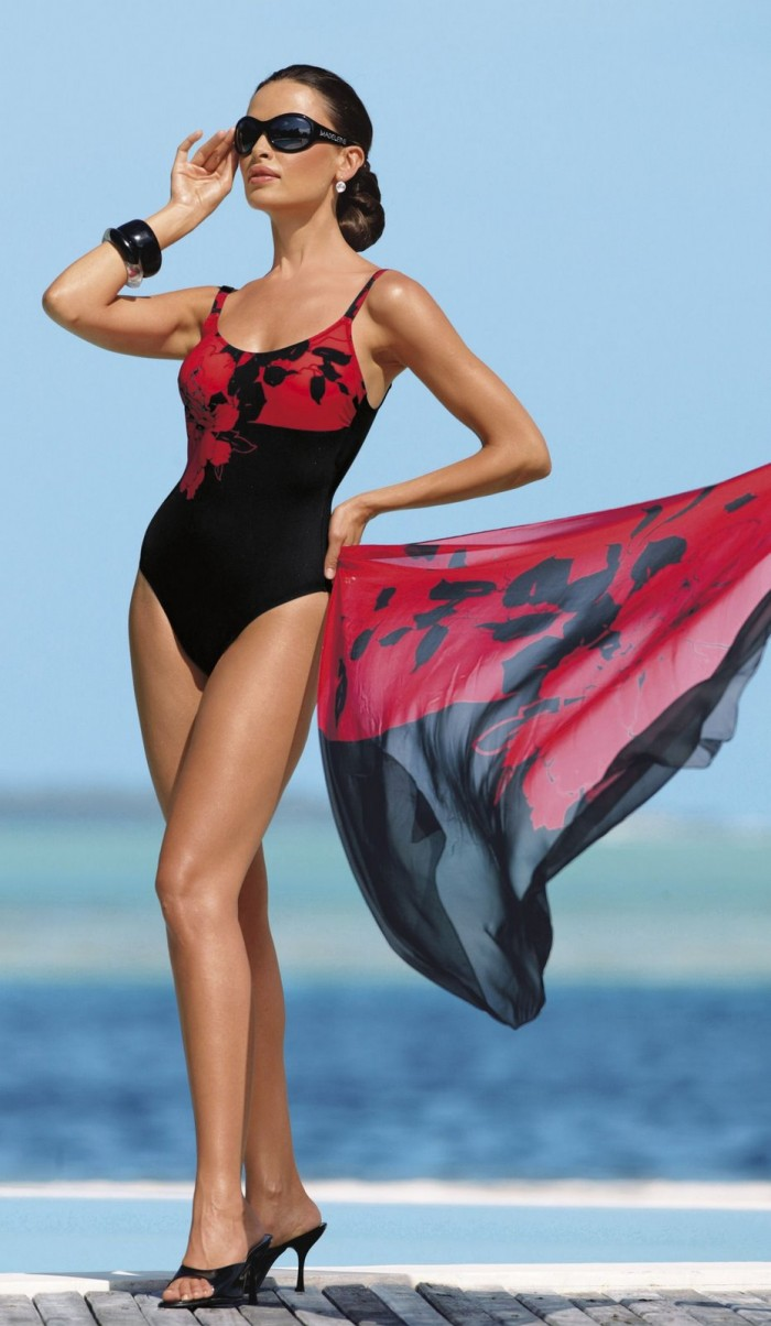 Almudena Fernández vous fracture l'œil en bikini