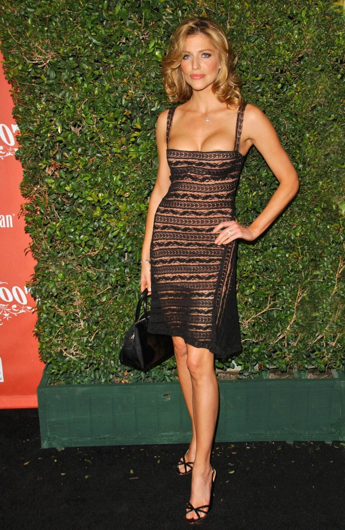 Tricia Helfer aussi torride en lingerie que dans la série Lucifer