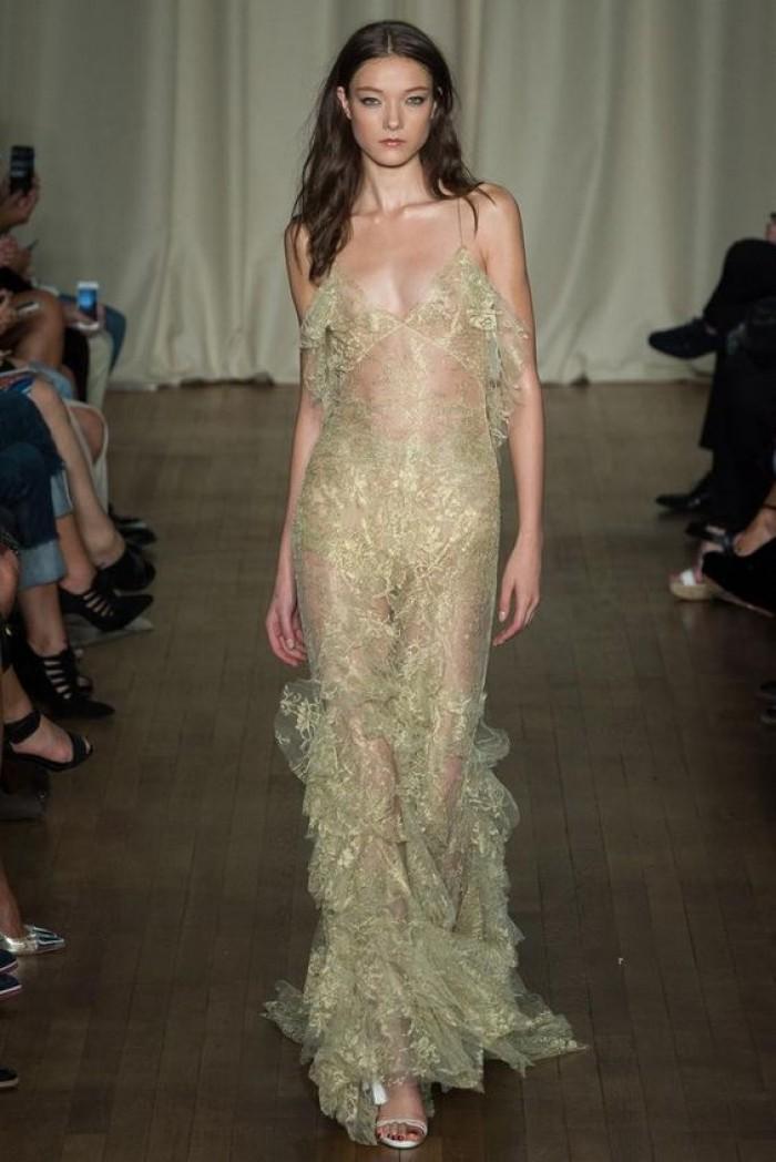 Yumi Lambert est une mannequin belge sublime