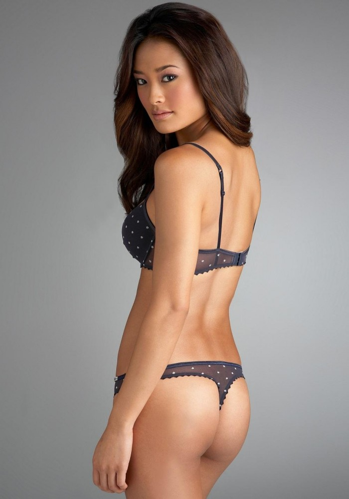 Jarah Mariano est une vraie babe en bikini