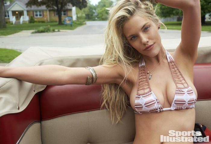Ashley Smith est magnifique en bikini
