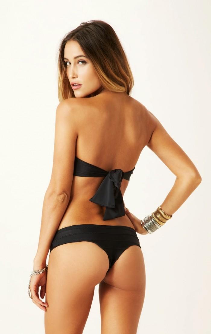 Anna Herrin nous dévoile son corps sexy en bikini