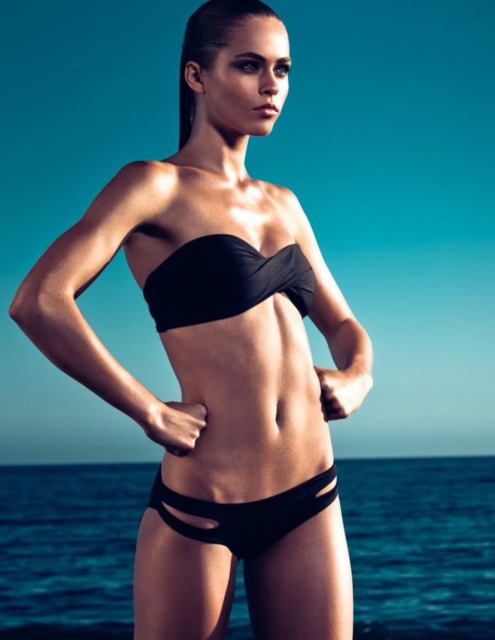 Caroline Kelley est magnifique en maillot de bain