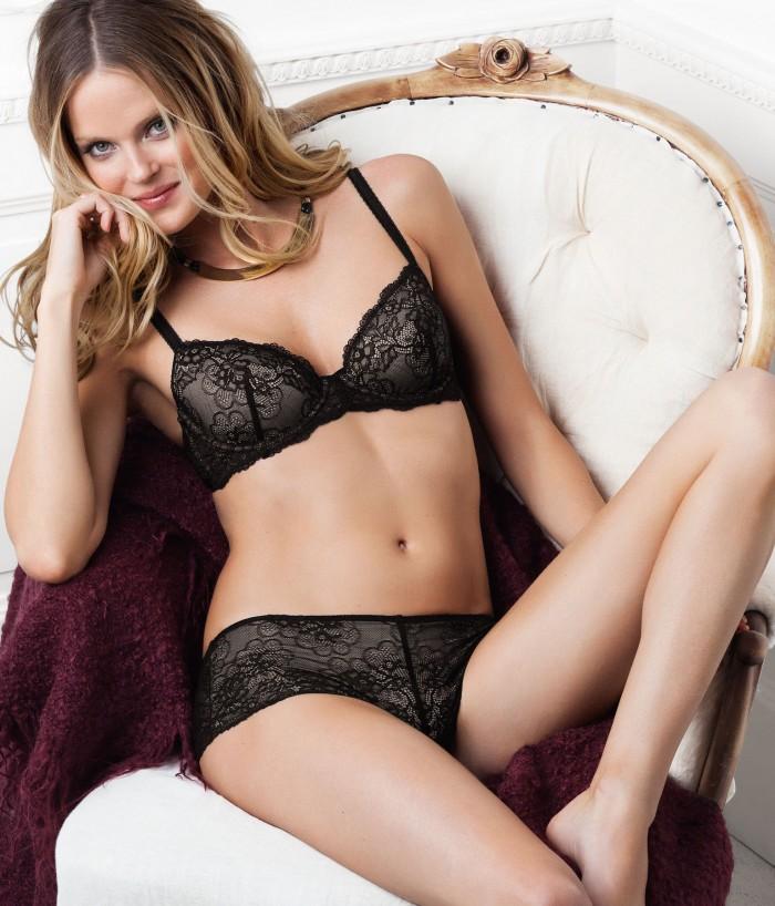 Shannan Click est irrésistible en lingerie sexy