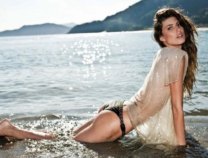 Michelle Alves est magnifique en lingerie