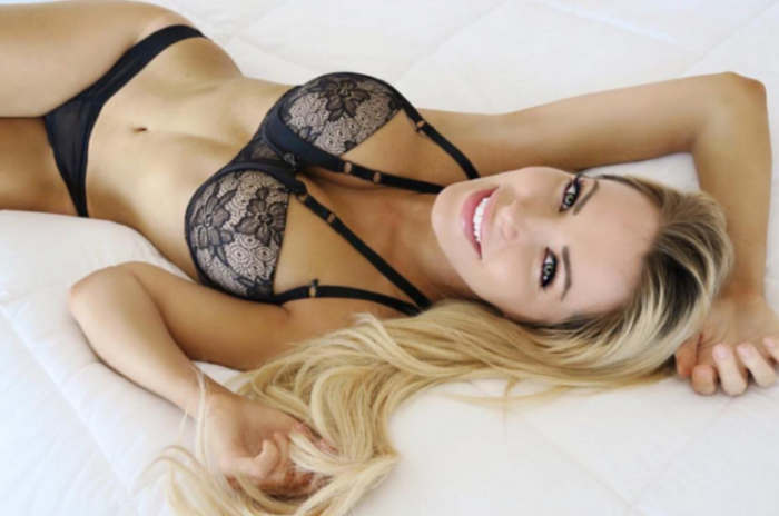 Crystal Harris est sublime en lingerie