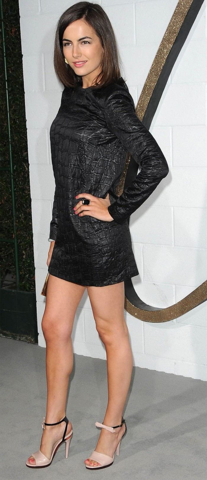 La jolie Camilla Belle est vraiment hot
