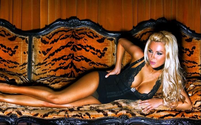 Crystal Harris est sublime en lingerie