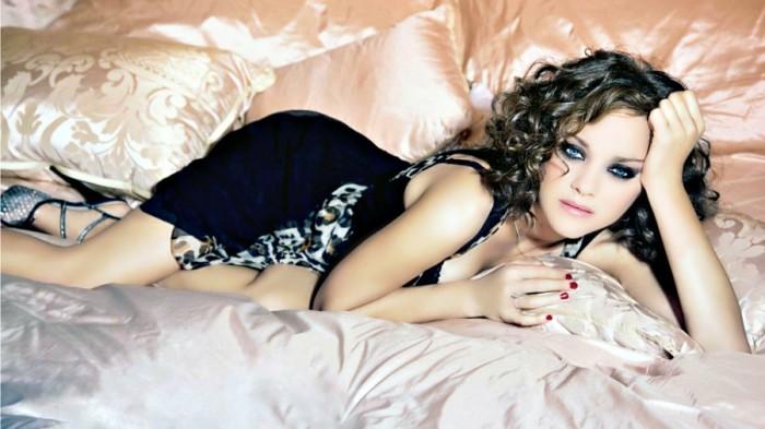 La belle Marion Cotillard en lingerie sexy