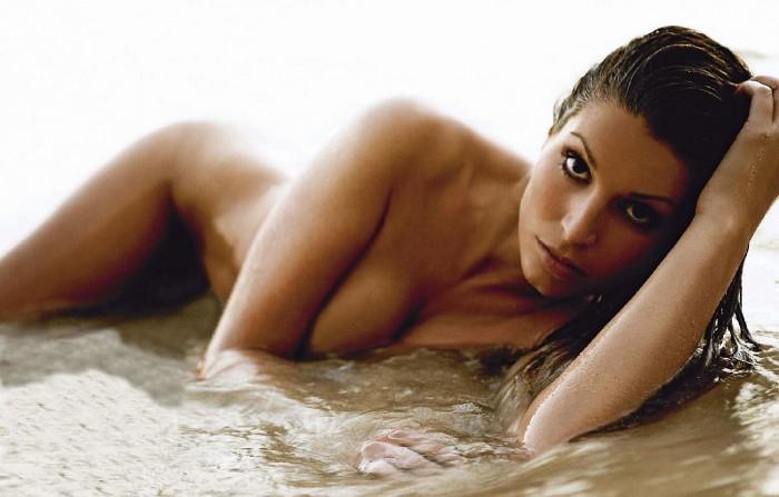 Laury Thilleman élue Miss France 2011 est torride en bikini