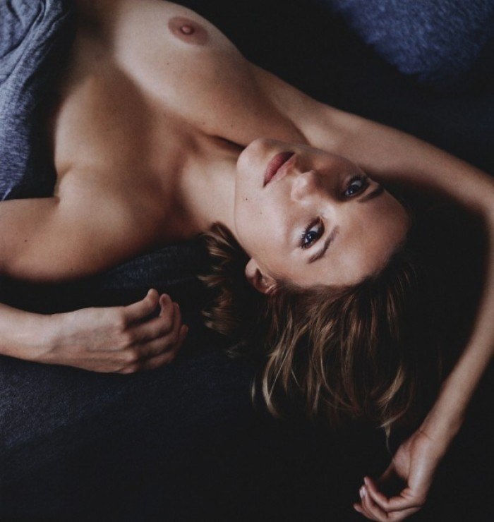Lea Seydoux nous déstabilise par sa beauté en lingerie