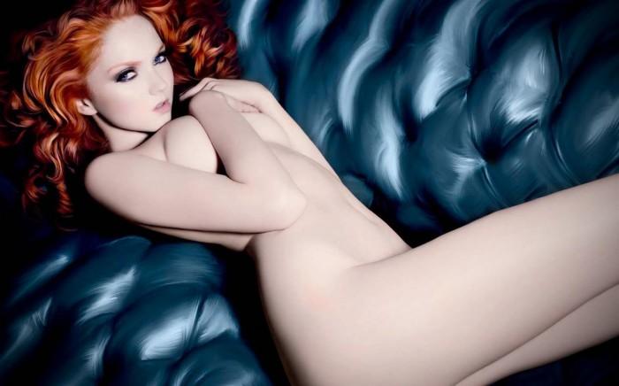 Lily Cole arbore une lingerie sublime