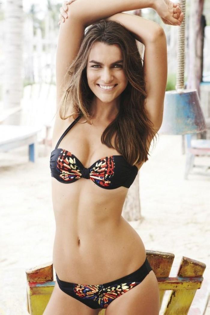 Filippa Palmstierna Hamilton est une superbe brunette en bikini