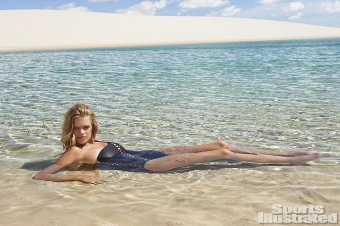 Valerie van der Graaf est une bombe en bikini